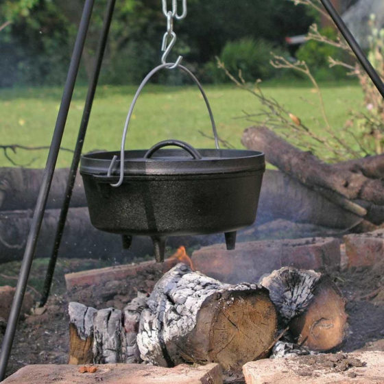 cast iron dutch ovens for camping