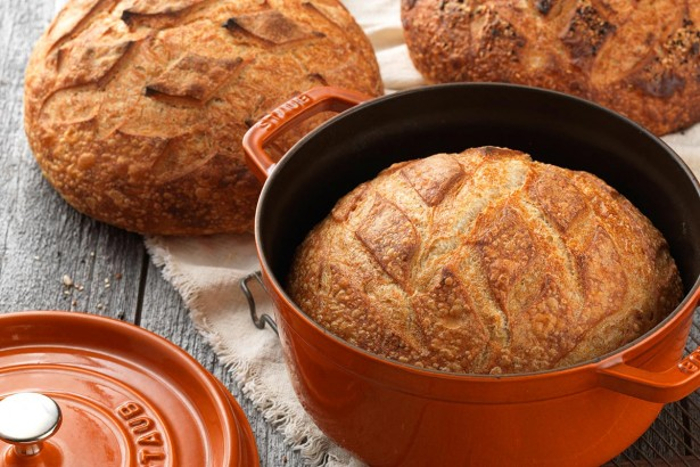 bread baked in a dutch oven