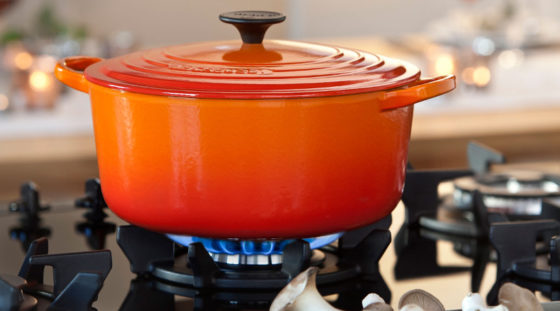 can le creuset lids go in the oven