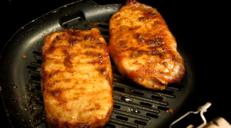 how long to cook pork chops in air fryer